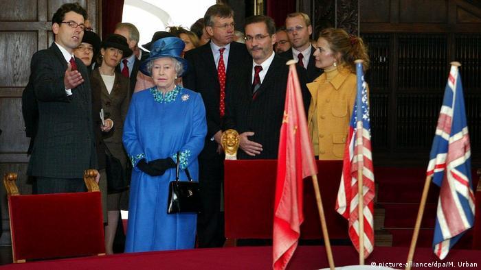 Елизавета II во дворце Цецилиенхоф, 2004 год