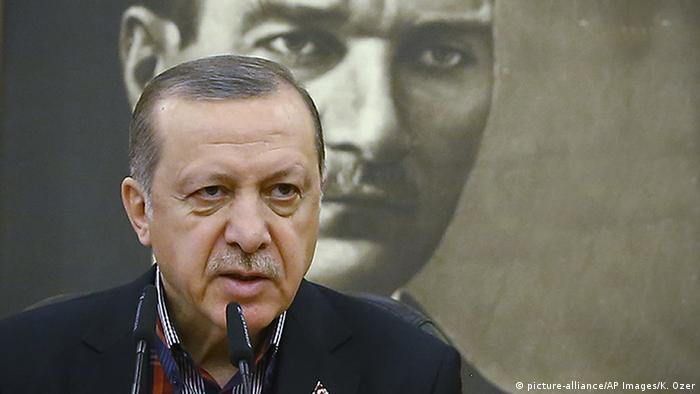 GLASANJE O KULTUROLOŠKOM IDENTITETU: Erdogan protiv Ataturka