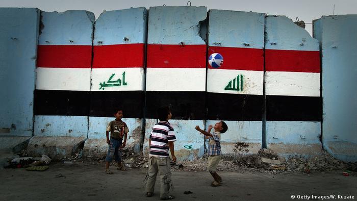 Muro de concreto em Sadr City, Bagdá