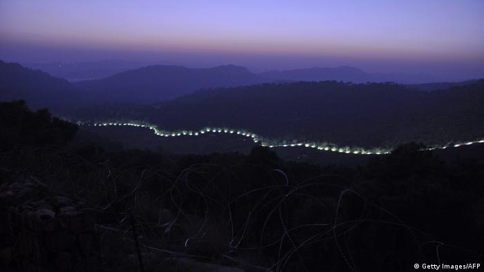 Демаркационная линия на границе Индии и Пакистана в штате Кашмир