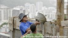 Brasilien Favela in Rio de Janeiro | Mauerbau