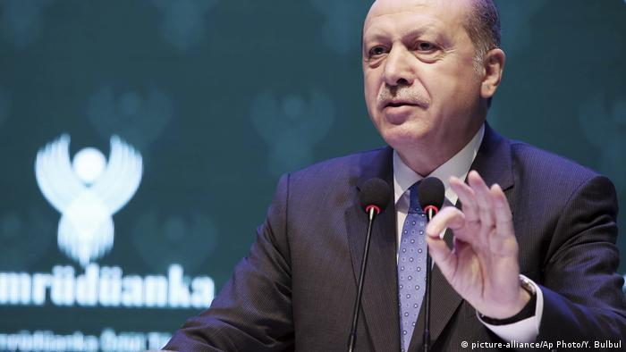 Türkei Präsident Erdogan Rede in Istanbul (picture-alliance/Ap Photo/Y. Bulbul)