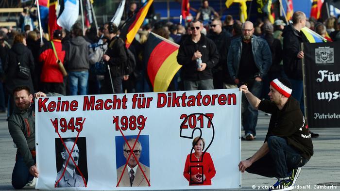 Demonstration von rechtsextremen Gruppen (picture alliance/dpa/M. Gambarini)
