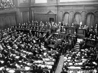 Durante la República de Weimar (1918-1933) se sentaron en el Reichstag las primeras mujeres.