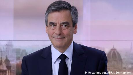Frankreich Francois Fillon im TV-Interview in Paris (Getty Images/AFP/J. Demarthon)