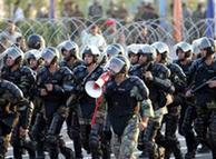 پلیس در حال  مانور در تهران؛ با وجود مانورها امنیت شهر با اختلالها روبروست