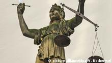 Justitia mit Waage und Schwert, Goerlitz (Görlitz), aufgenommen am 20.08.2016. Foto: Winfried Rothermel | Verwendung weltweit