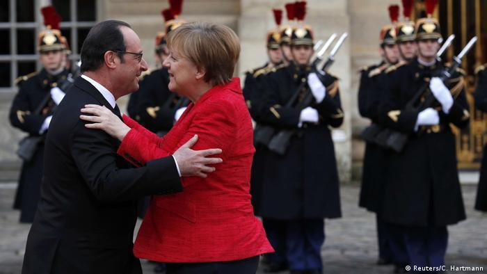 Gipfeltreffen Frankreich, Deutschland, Italien, Spanien in Versailles | Hollande & Merkel (Reuters/C. Hartmann)