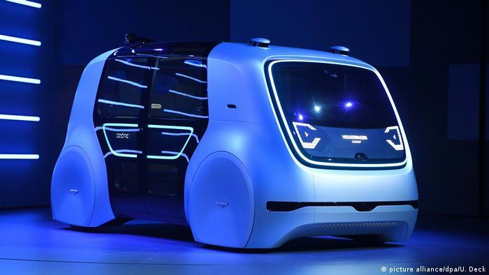 Volkswagen apresenta o carro autônomo Sedric