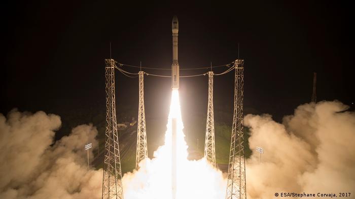 Französisch-Guayana ESA Copernicus Programm Start Vega-Rakete mit Satellit Sentinel-2B