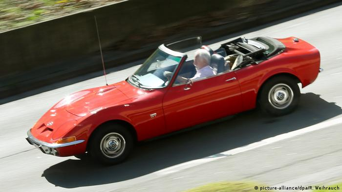 An Opel GT Cabriolet (Photo: picture-alliance / dpa / R. Weihrauch)