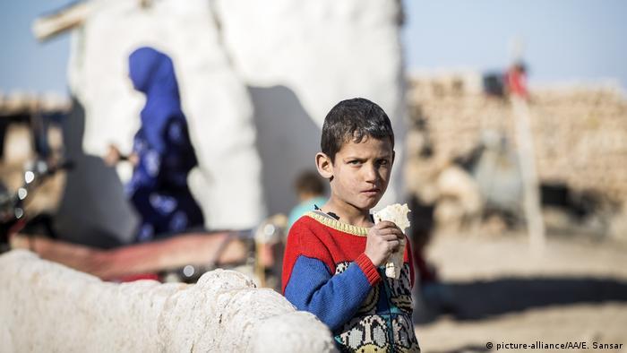 Syrien - Kinder im Krieg (picture-alliance/AA/E. Sansar)