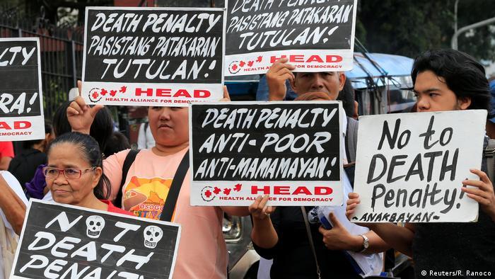 Philippinen Unterhaus beschließt Rückkehr zur Todesstrafe | Protest (Reuters/R. Ranoco)