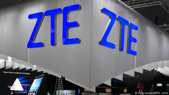 Spanien Mobile World Congress in Barcelona - Stand von ZTE