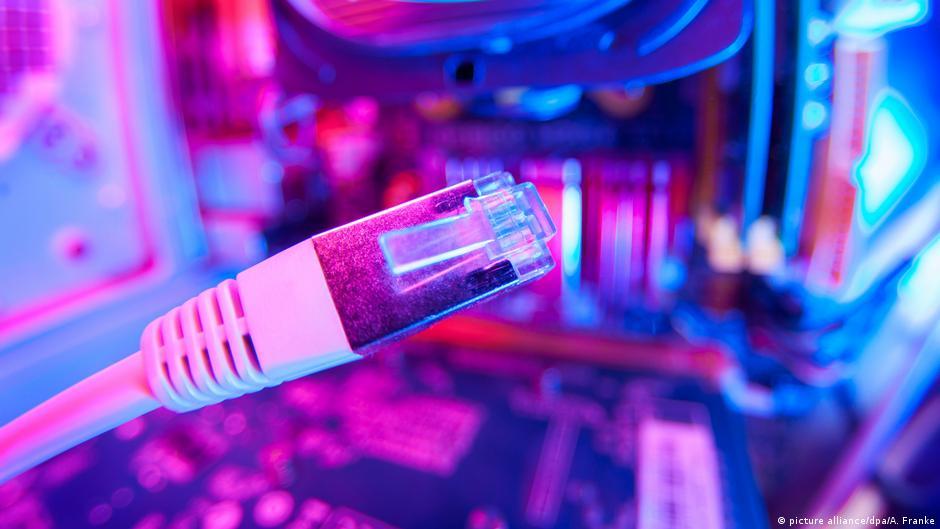 So könnte freies Internet für den Iran funktionieren - DW (Deutsch)