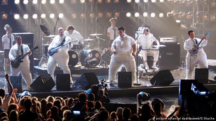 Rammstein на сцені в 2005 році під час вручення музичної премії Echo
