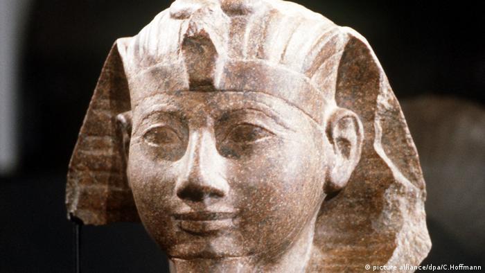 Busto da rainha-faraó Hatschepsut