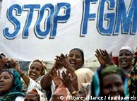 Γυναίκες διαδηλώνουν κατά της κλειτοριδεκτομής στη Σομαλία