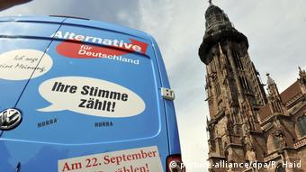 AfD campaign van in Münster (picture-alliance/dpa/R. Haid)