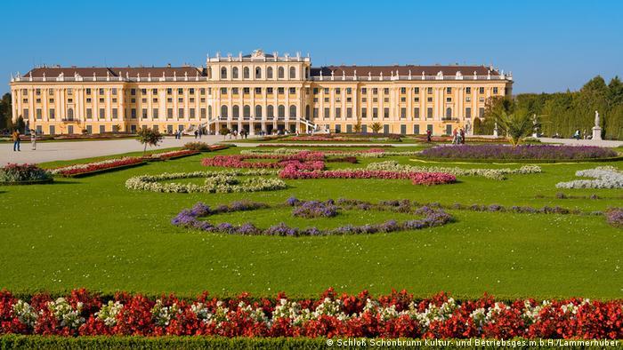 Schönbrunn Palace (Schloß Schönbrunn Kultur- und Betriebsges.m.b.H./Lammerhuber)