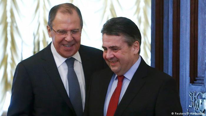 Russlands Außenminister Sergej Lawrow empfängt den deutschen Kollegen Sigmar Gabriel (Foto: Reuters/S. Karpukhin)
