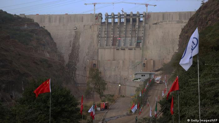 Represa Gibe III, na Etiópia.