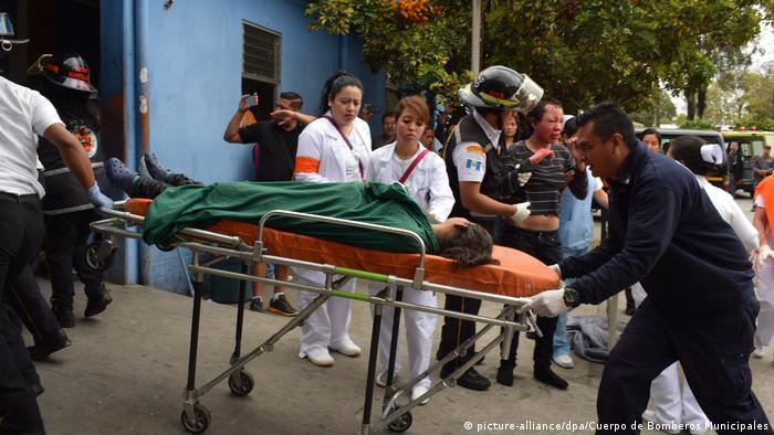 Guatemala Brand in Jugendheim (picture-alliance/dpa/Cuerpo de Bomberos Municipales)