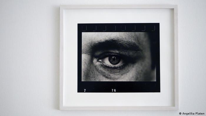 Angelika Platen photo of Gerhard Richter's eye (DW/H. Mund)