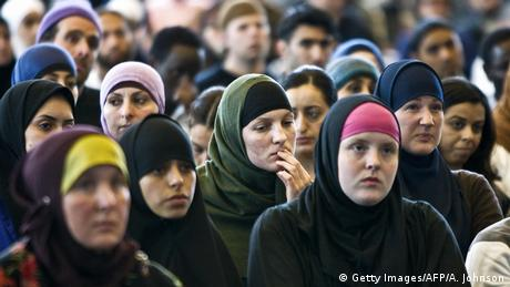 Niederlande Muslimische Frauen in Amsterdam (Getty Images/AFP/A. Johnson)