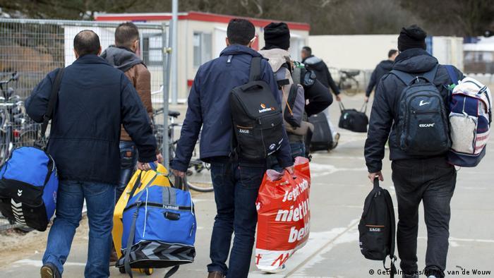 Niederlande Flüchtlinge in Nijmegen (Getty Images/AFP/P. van de Wouw)