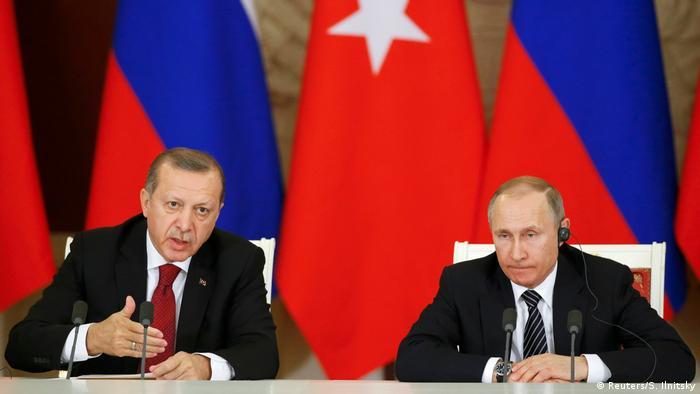 Russland Moskau - Präsident Putin und Erdogan bei Pressekonferenz