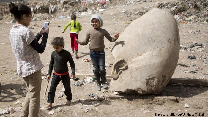 Ägypten Archäologen finden riesige Pharaonen-Statue