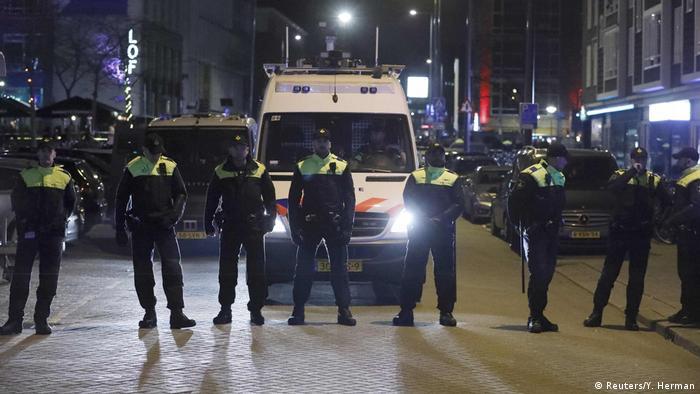 Rotterdam Türkische Ministerin darf Konsulat nicht betreten Rotterdam Türkische Ministerin darf Konsulat nicht betreten