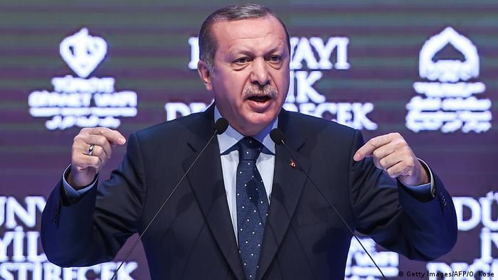 Türkei Erdogan droht Niederland (Getty Images/AFP/O. Kose)