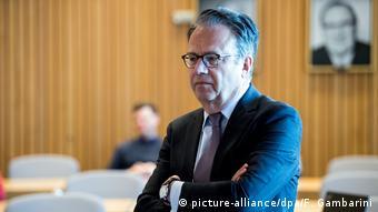 Frank Jürgen-Weise in an investigation committee meeting