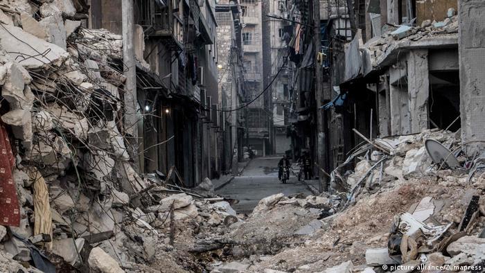 Ruined street in Alepp