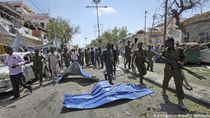 Anschlag in Mogadischu (picture-alliance/dpa/F.A. Warsameh)