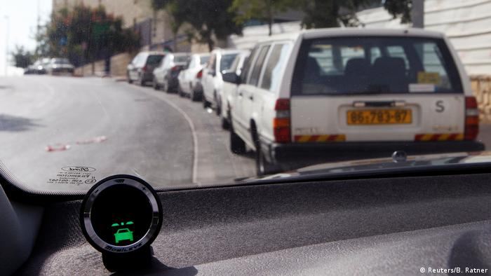 Mobileye demonstration in Jerusalem (Reuters/B. Ratner)