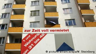 Apartment block in Berlin (picture-alliance/dpa/W. Steinberg)