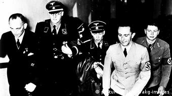 Goebbels besucht Filmvorfuehrung,1936.