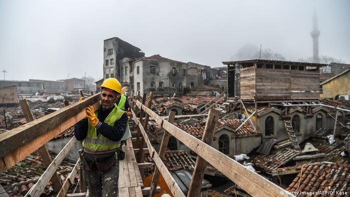 İstanbul'da bir inşaat işçisi
