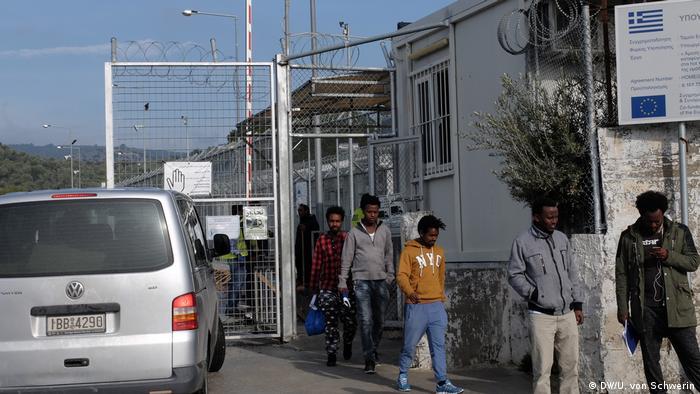 Табір Морія більше нагадує виправну колонію, ніж притулок для біженців
