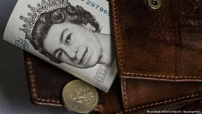 England Währung Britische Pfund (picture-alliance/dpa/U. Baumgarten)