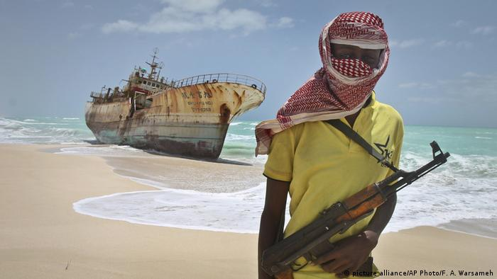 Somalia Pirate (picture alliance/AP Photo/F. A. Warsameh)