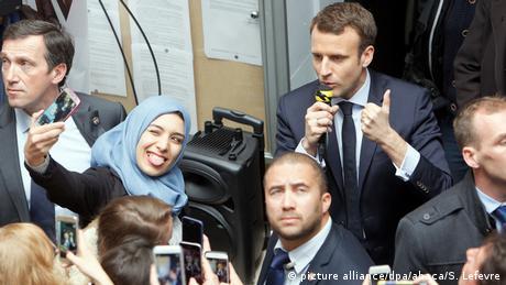 Frankreich Emmanuel Macron besucht die Universität in Lille (picture alliance/dpa/abaca/S. Lefevre)