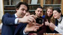 Niederlande Wahl Jesse Klaver von der Grünen Partei Selfie mit Untertützern
