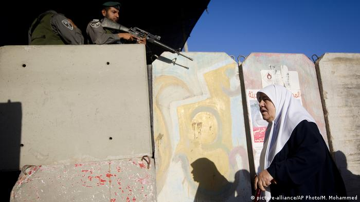 Israel Qalandia Checkpoint (picture-alliance/AP Photo/M. Mohammed)