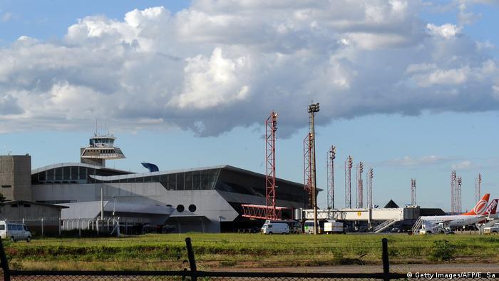 El aeropuerto en Brasilia lleva el nombre Presidente Juscelino Kubitschek, honrado así al exmandatario, cuyo proyecto más reconocido fue la construcción de Brasilia como nueva capital.