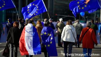 Пульс Европы. Под таким лозунгом в десятках немецких городов по воскресеньям проходят демонстрации в поддержку ЕС