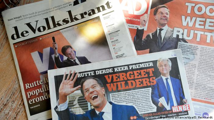 Newspapers after the 2017 Dutch elections (picture-alliance/dpa/D. Reinhardt)